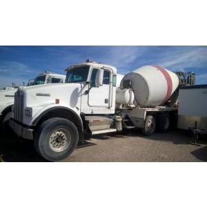 2001 Kenworth T800 Mixer Truck in NM