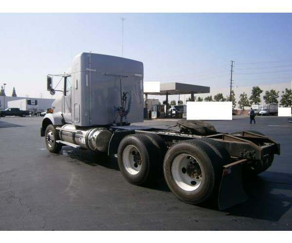 2011 Kenworth T800 in CA