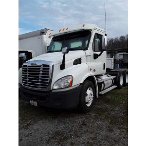 2014 Freightliner Cascadia Day Cab in OH