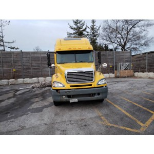 2006 Freightliner Columbia in IL