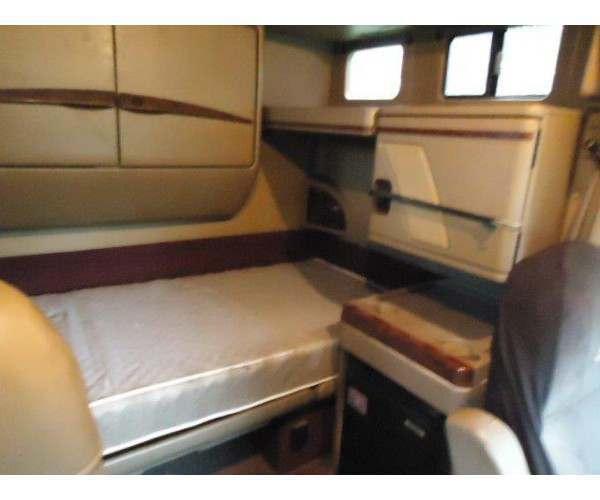 2007 International 9900 bunk