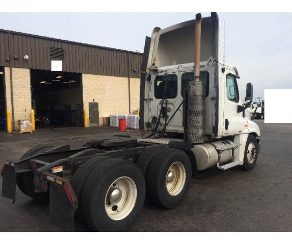 2010 Freightliner Cascadia Day Cab in NY