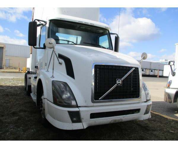2012 Volvo VNL 300 Day Cab 4