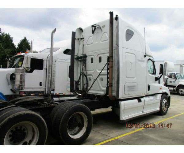 2009 Freightliner Cascadia 3