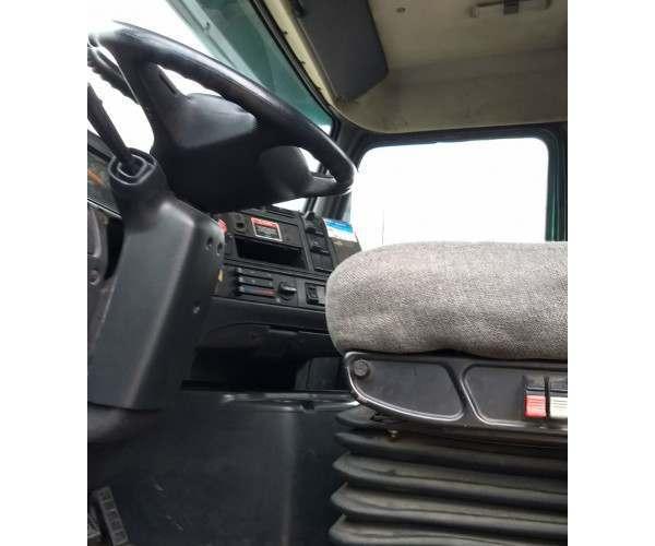 2000 Volvo VNM 200 Day Cab in AL