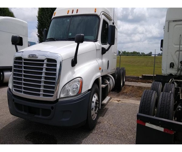 2013 Freightliner Cascadia in AL