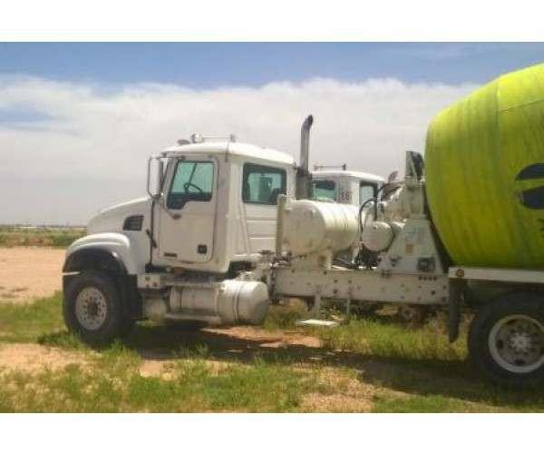 2003 Mack CV513 Mixer Truck 5