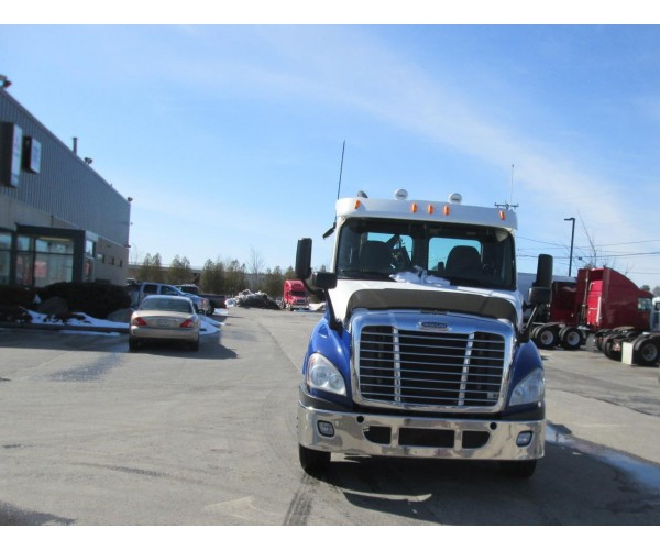 2011 Freightliner Cascadia Day Cab in ME