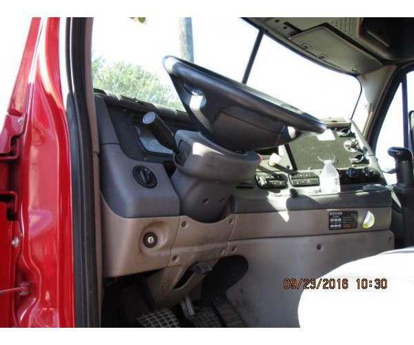 2011 Freightliner Cascadia 7