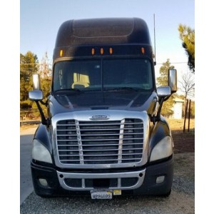 2010 Freightliner Cascadia in CA