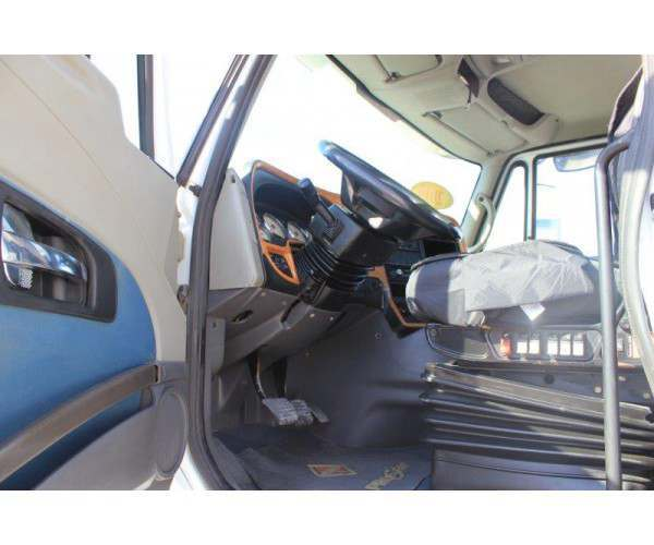 2009 International Prostar Day Cab11