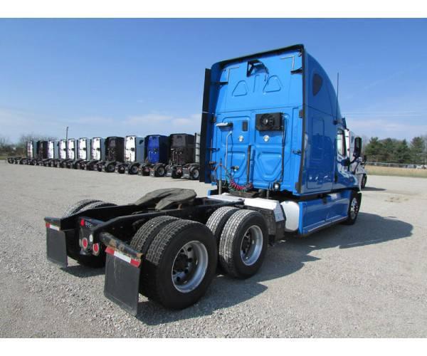 2013 Freightliner Cascadia 15