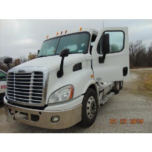 2014 Freightliner Cascadia Day Cab in WA