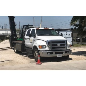 2006 Ford F650 Flatbed Truck in TX