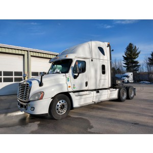 2013 Freightliner Cascadia in ME