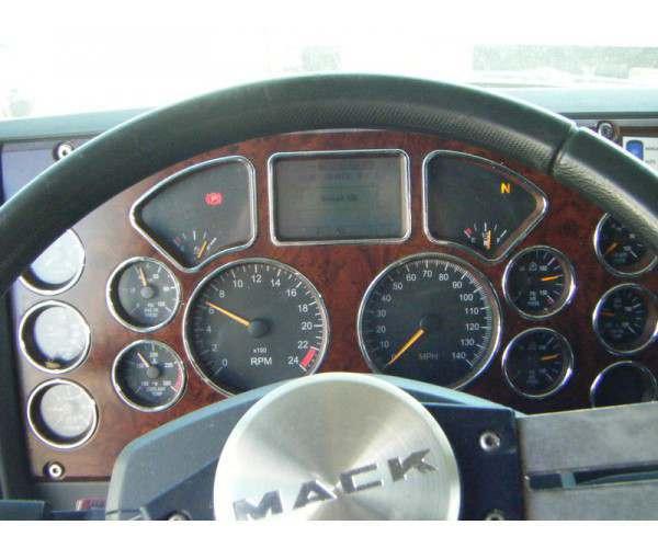 2013 Mack CXU613 3