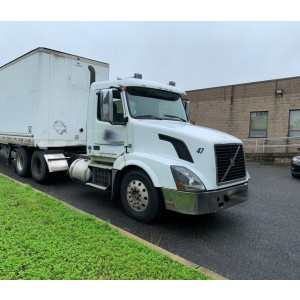 2009 Volvo VNL 300 Day Cab in NJ