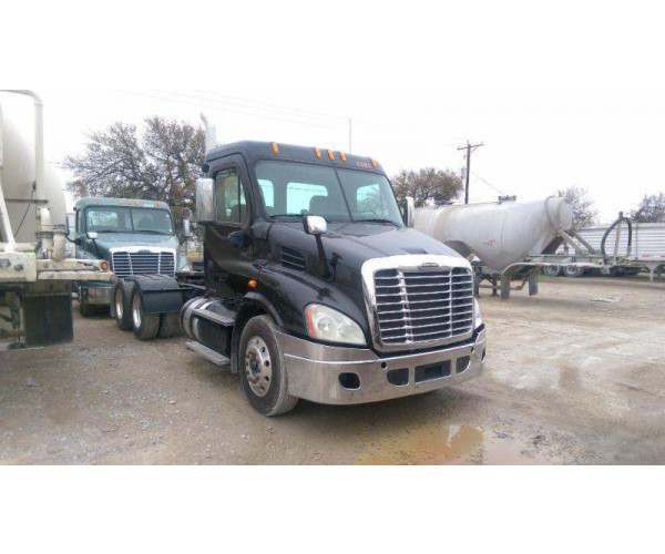 2012 Freightliner Cascadia Day Cab 6