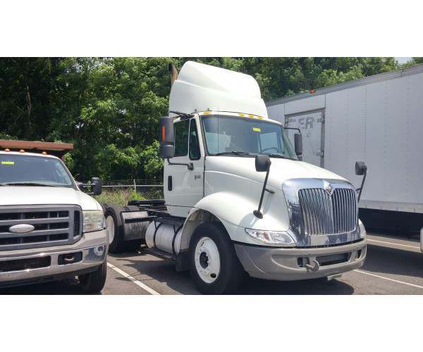 2007 International 8600 Day Cab in DE