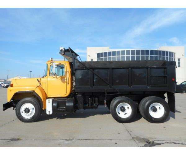 2002 Mack RB688S Dump Truck 1