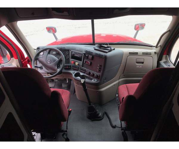 2012 Freightliner Cascadia in TN