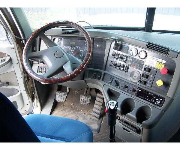 2003 Freightliner COLUMBIA 4