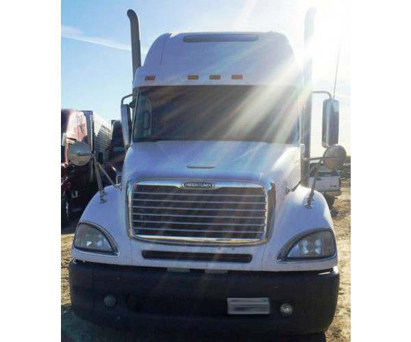 2010 Freightliner Columbia in CA