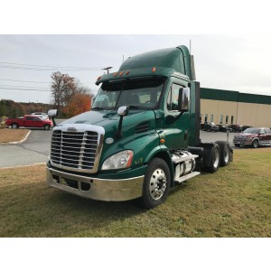 2014 Freightliner Cascadia Day Cab in MA