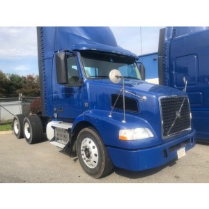 2014 Volvo VNM 200 Day Cab in PA