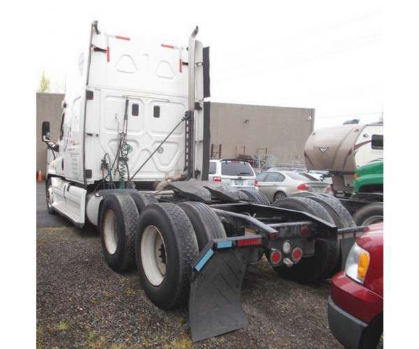 2012 Freightliner Cascadia in OR