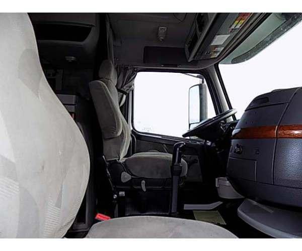 2012 Volvo VNL 670 2