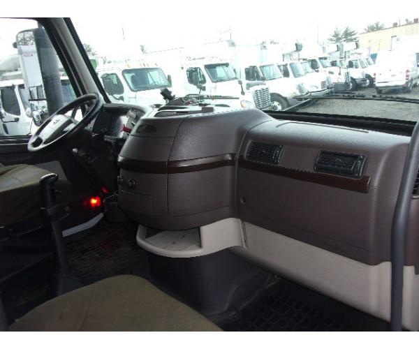 2013 Volvo VNL 670 in PA