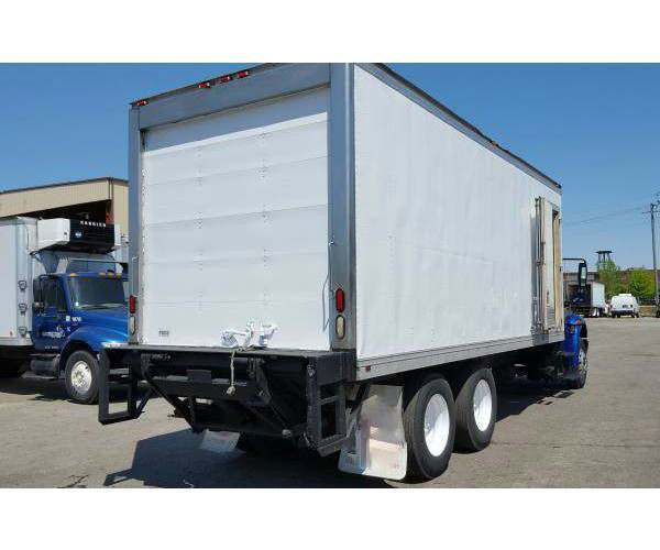2009 International 4400 Reefer Truck 9