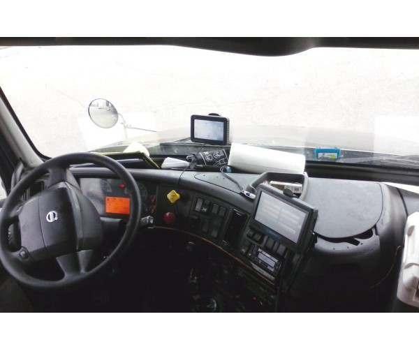 2006 Volvo VNM64T630 5