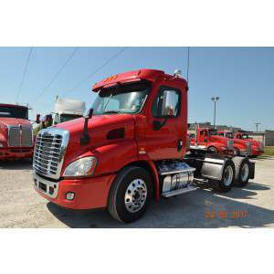 2014 Freightliner Cascadia Day Cab in IN