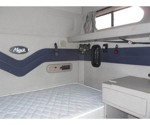 2009 Mack CXN613 5