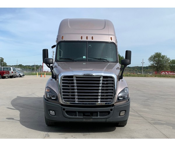 2015 Freightliner Cascadia in MO