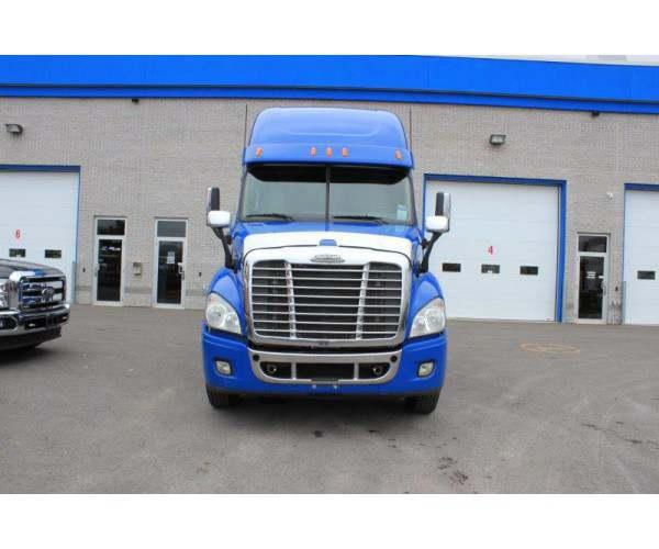 2013 Freightliner Cascadia in CA