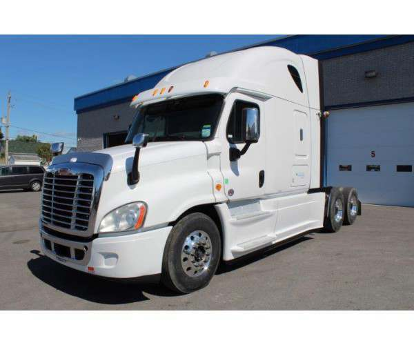 2014 Freightliner Cascadia in Canada