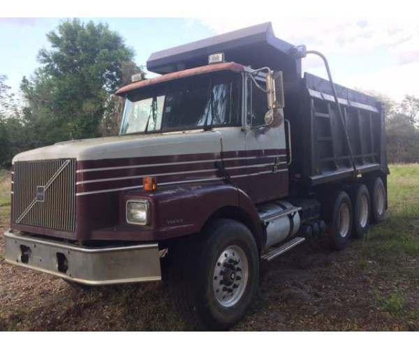 1999 Volvo WG64 Dump Truck 11