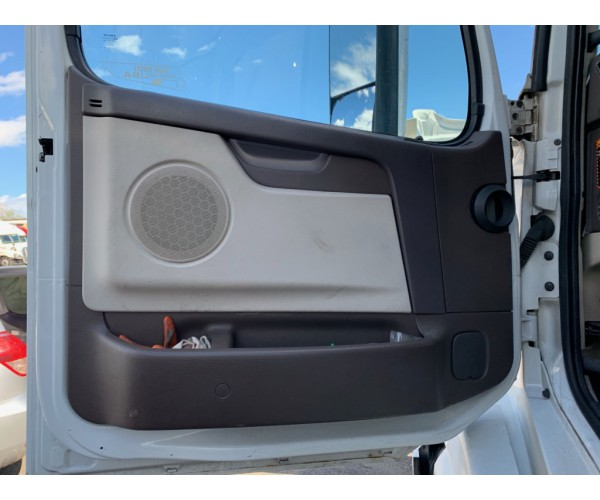 2012 Volvo VNL 670
