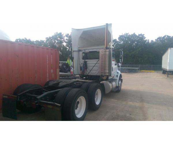 2009 International 8600 Day Cab 4