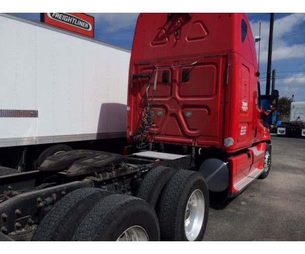 2012 Freightliner Cascadia 6