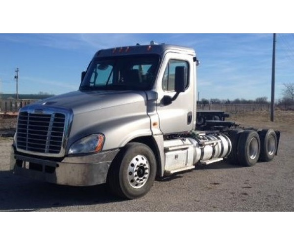 2011 Freightliner Cascadia Day Cab in IL