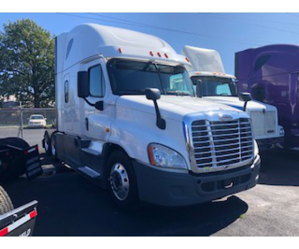 2014 Freightliner Cascadia in MO