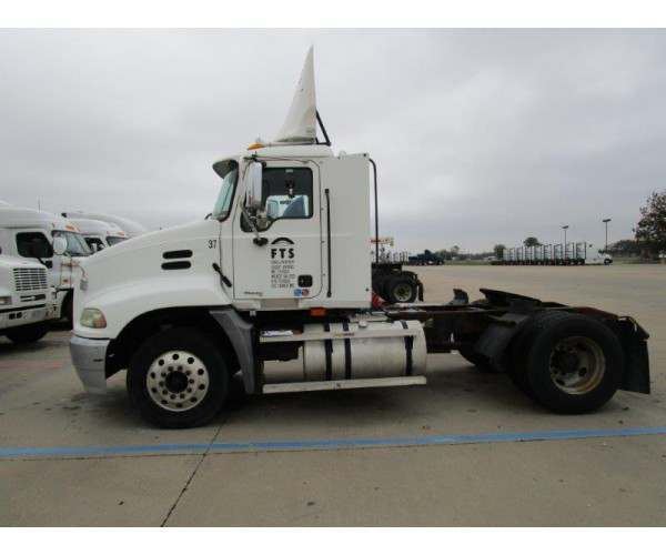 2004 Mack CX612 Day Cab 8