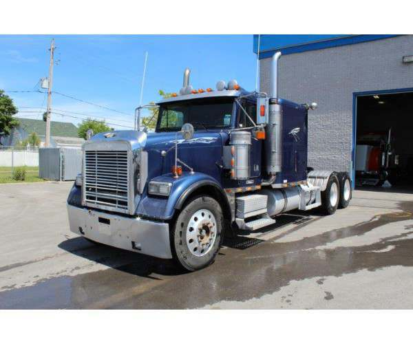 2003 Freightliner FLD120 in Canada