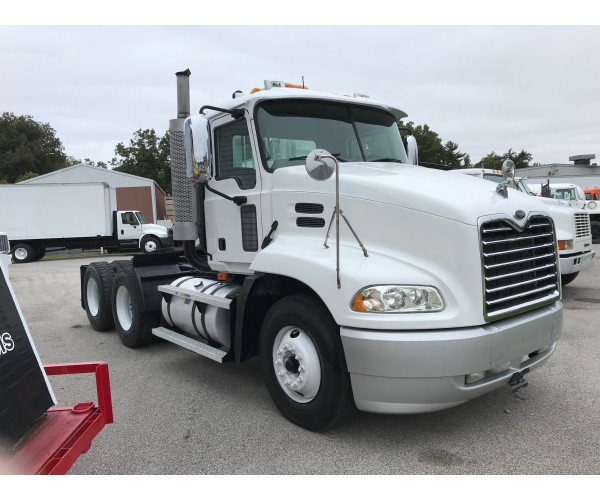 2004 Mack CX613 Day Cab in IL