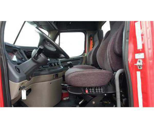 2014 Freightliner Cascadia Day Cab 6