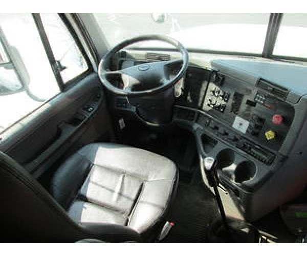 2007 Freightliner Columbia dashboard